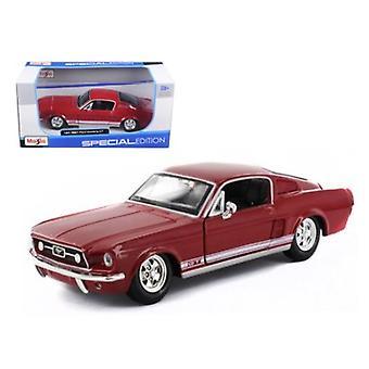 1967 Ford Mustang GT Red 1/24 Diecast Model Car par Maisto