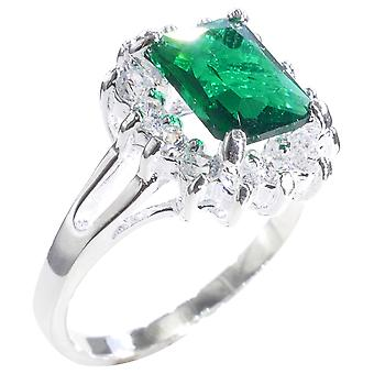 Ah! Jewellery Women's Stunning Emerald Green Cut STERLING SILVER Ring. Stamped 925. Very Eyecatching. Outstanding Quality.
