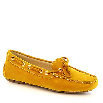 Leonardo sko kvinner båt håndlaget mocassins i gule semsket skinn