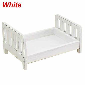 الدعائم حديثي الولادة للتصوير الخشب سرير للانفصال.