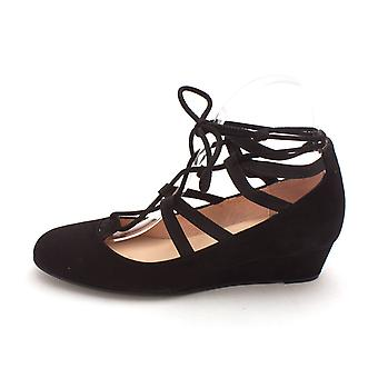 French Sole Womens Twosome Leather Closed Toe Ankle Strap Wedge Pumps