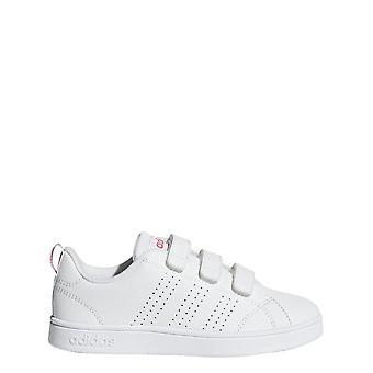 Adidas vs Advantage puhtaat kengät