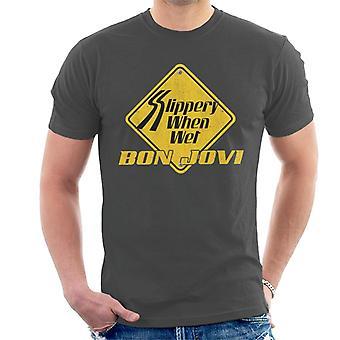 Bon Jovi liukas kun märkä Roadsign Miesten T-paita
