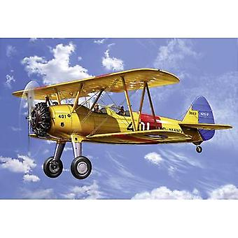 Revell 04676 Stearman Kaydet Aircraft assembly kit 1:72