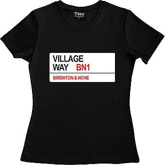 Brighton y Hove Albion: Village Way BN1 Road Sign Black Women's Camiseta