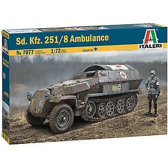 Italeri 7077 1/72 Sd.Kfz.251/8 Ambulance