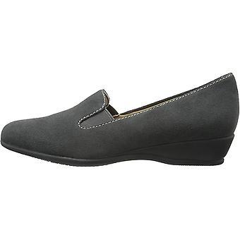 Trotters Women's Lamar Slip-On Loafer