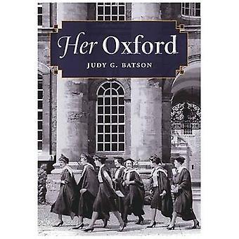 Her Oxford by Judy G. Batson - 9780826516107 Book