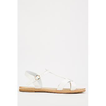 Sandales croisées à criss plats
