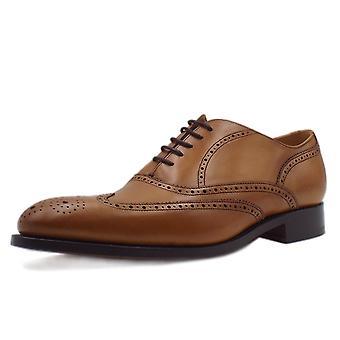 Barker Newport Men's Smart Wingtip Brogue Shoes In Cedar