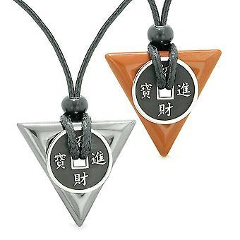 Amulettes pièce porte-bonheur Triangle pouvoirs magiques hématite jaspe rouge amour Couples ou meilleurs amis colliers