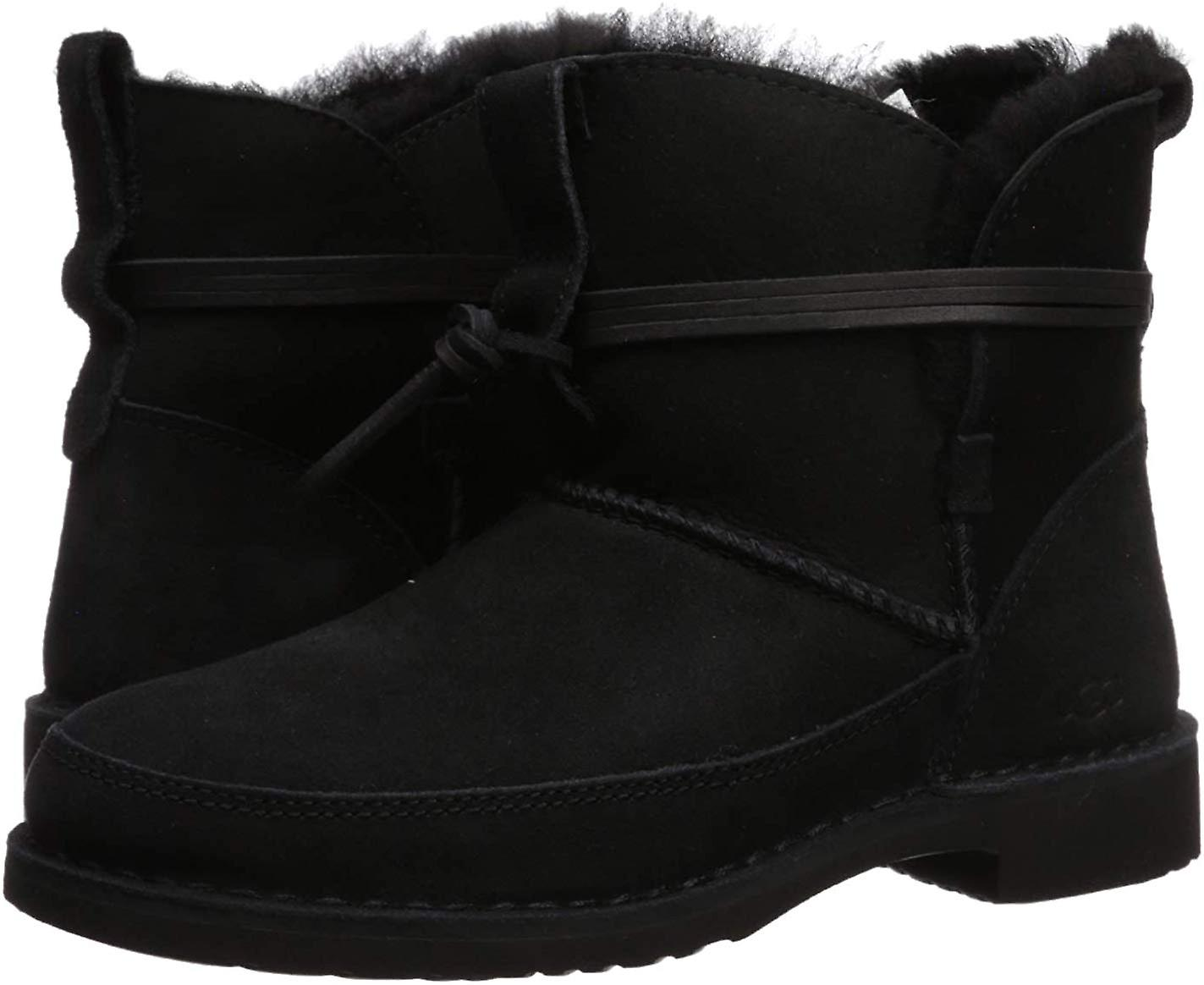 UGG Women's Esther Ankle Boot GNy08