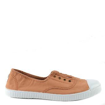 Victoria Shoes Dora Cacao Canvas Plimsoll