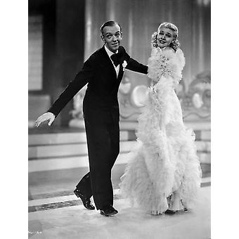 Fred Astaire und Ginger Rogers im schwarzen Smoking und pelzigen Kleid Fotoabzüge