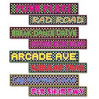 80er Jahre Straßenschild Pappfiguren