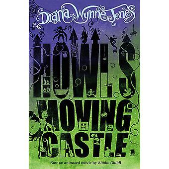 Howl's Moving Castle Paperback - 1 fév.