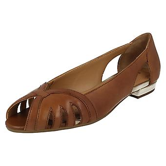 Mesdames Van Dal Peep Toe Shoes Perry