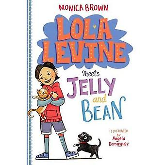Lola Levine Meets Jelly and Bean by Monica Brown - 9780606402217 Book