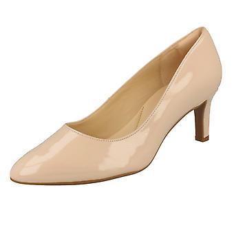 Ladies Clarks Textured Court Shoes Calla Rose - Cream Patent - UK Size 5E - EU Size 38 - US Size 7.5W