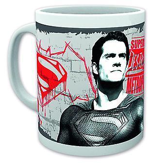 Batman vs Superman Cup falso Dio bianco, stampato, in ceramica, capienza circa 320 ml., in confezione regalo.