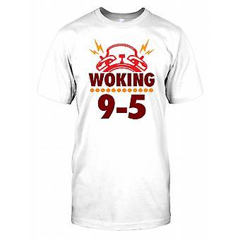 Woking - arbeider 9 til 5 - morsomt ordspill Mens T-skjorte