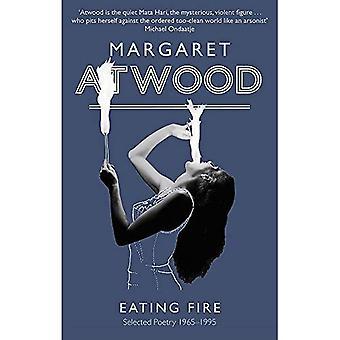 Manger le feu: Sélectionné poésie 1965-1995