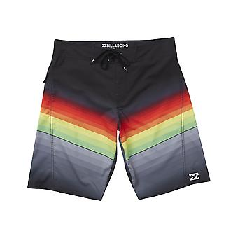 Billabong Fluid Mid Length Boardshorts à Rasta