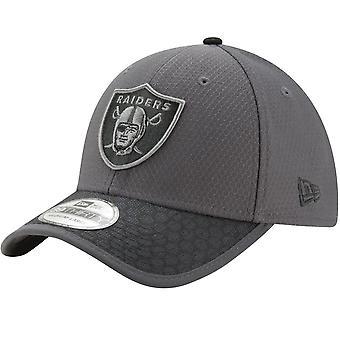 New Era 39Thirty Cap - NFL 2017 SIDELINE Oakland Raiders