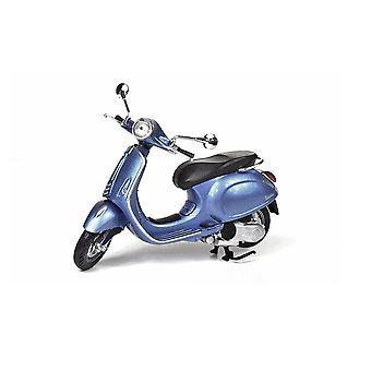 Vespa Primavera Plastic Model Motorcycle