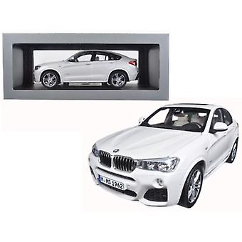 BMW X4 (F26) Mineral White 1/18 Diecast Model Car par Paragon