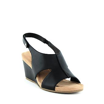 Giani Bernini | Casey Wedge Sandals