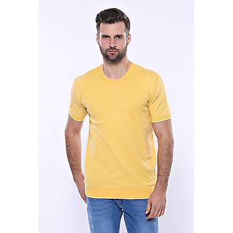 Circle neck patterned yellow knitted t-shirt