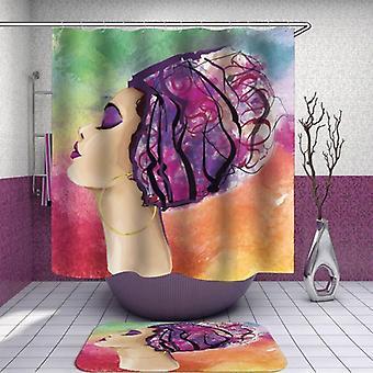 Wspaniała kobieta nad pastelową zasłoną prysznicową