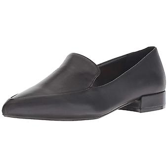 Kenneth Cole New York Women's Camelia Pointy Toe Loafer Flat