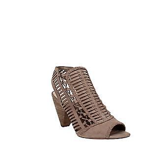 Vince Camuto | Eshantel Dress Sandals