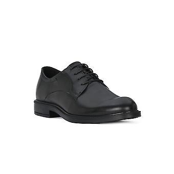 Voici les chaussures virtus iii