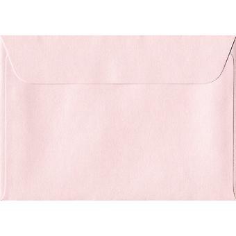 Ballerina lyserød skræl/segl C6/A6 farvet Pink konvolutter. 100gsm schweiziske Premium FSC-papir. 114 mm x 162 mm. tegnebog stil kuvert.