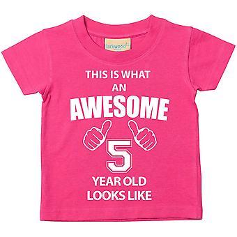 これは何の素晴らしい 5 年古いに見えるようなピンクの t シャツです。