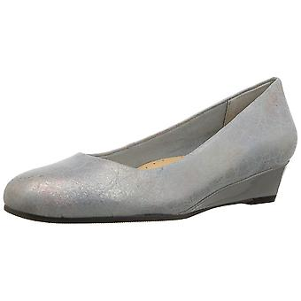 Trotters Women's Shoes Lauren Fabric Closed Toe Classic Pumps