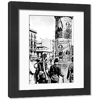 Plakaty rządu Republikanów, Barcelona; Hiszpańska wojna domowa. Oprawione zdjęcie. Zdjęcie przedstawiające niektóre.