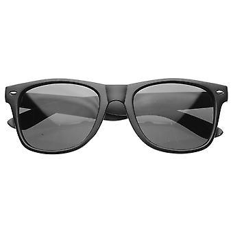 محب سوبر العصرية الحضرية ماتي السوداء الناعمة إنهاء القرن انعقدت النظارات الشمسية