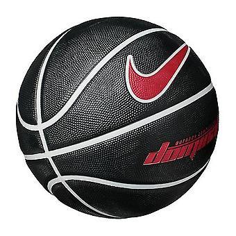 Nike dominano basket
