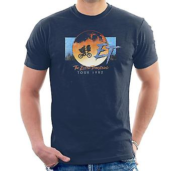 E.t. The Extra Terrestrial Tour 1982 Classic Shot Men's T-Shirt