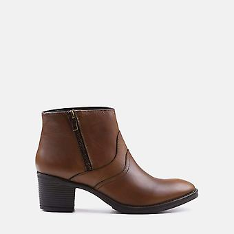 Sophia tan leather ankle boot