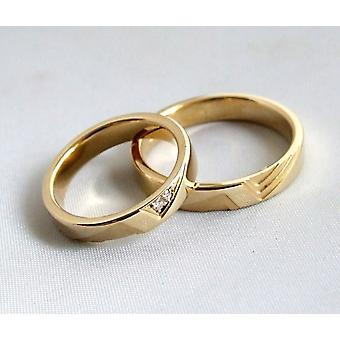 Gold wedding rings with 2 diamonds