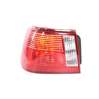 Luz trasera trasera lateral del pasajero izquierdo (modelos de 3 y 5 puertas)