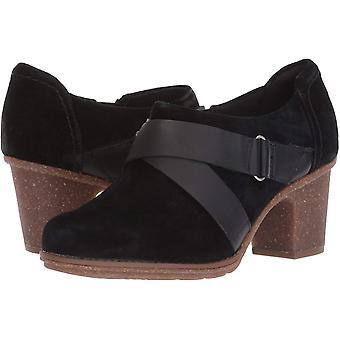CLARKS Women's Sashlin Fiona Fashion Boot