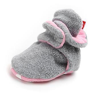 Vastasyntynyt vauvan liukastumisenesto lämpimät sukat kengät