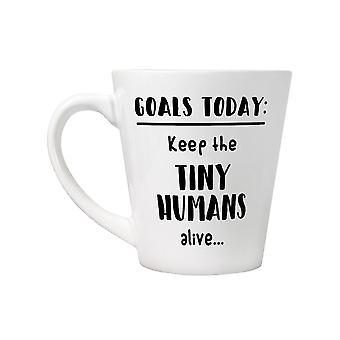 Grindstore mantenha a caneca viva do latte dos seres humanos minúsculos