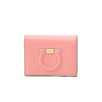 Salvatore Ferragamo 22d514724147 Naiset's vaaleanpunainen nahkalompakko